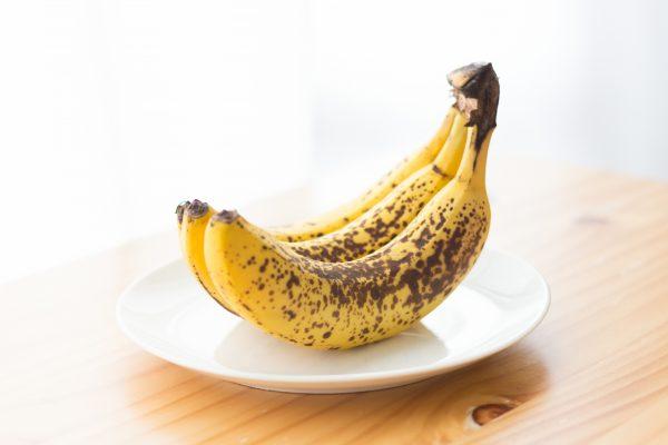 変色したバナナ