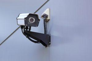 監視カメラを屋外に設置する効果は?事例やおすすめ屋外カメラも紹介