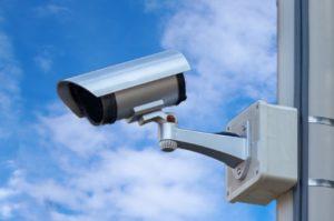 防犯カメラを設置する際の注意点は?メリットや防犯効果アップ方法も解説