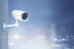 防犯カメラの映像が白くなる原因とは?赤外線機能(夜間モード)について解説